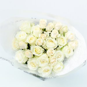 White & cream roses